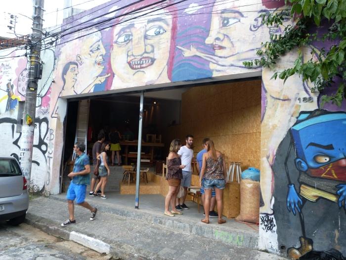 O atelier Mobu oferece aulas de marcenaria