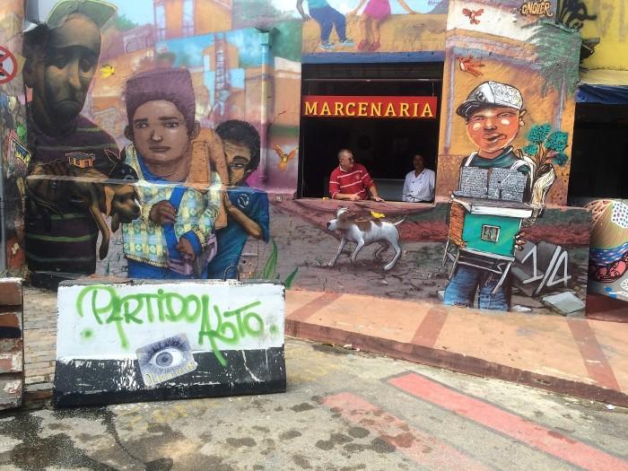Marceneiro Almir é outro morador incomodado com os blocos improvisados