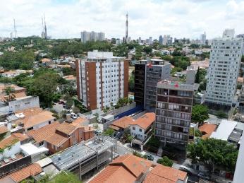 Vista na direção da avenida Dr. Arnaldo