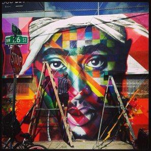 Grafite do rapper Tupak nos EUA (Reprodução/Facebook)