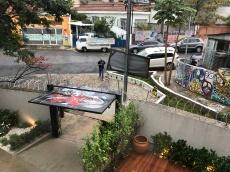 Entrada do Viveiro Café, com espaço para coworking