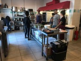 Movimento na cozinha do Clandestino